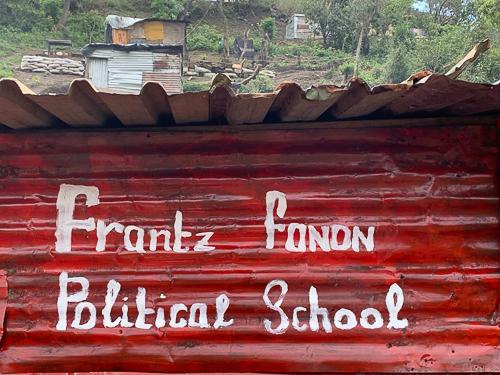Foto Frantz Fanon School